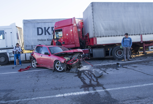 Houston 18-Wheeler Truck Accident Attorneys